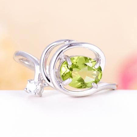 Кольцо хризолит  огранка (серебро 925 пр.) размер 17,5Хризолит<br>Кольцо хризолит  огранка (серебро 925 пр.) размер 17,5<br><br>kit: None