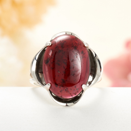 Кольцо гранат альмандин  (серебро 925 пр.) размер 17,5
