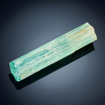 Кристалл берилл  S 15х17х73 мм