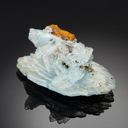 Кристалл барит голубой  (сросток) XS
