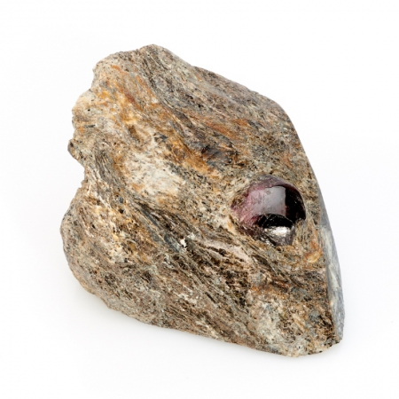 Кристалл в породе гранат альмандин  M