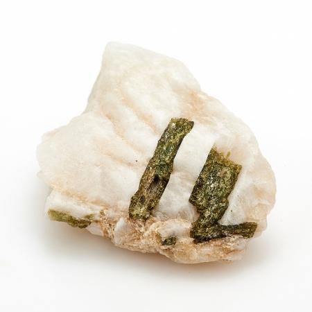 Кристалл в породе турмалин зеленый  SТурмалин<br>Кристалл в породе турмалин зеленый  S<br><br>kit: None