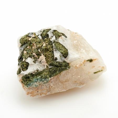 Кристалл в породе турмалин зеленый  S