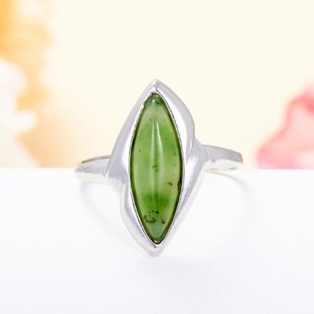 Кольцо нефрит зеленый  (серебро 925 пр.) размер 18Нефрит<br>Кольцо нефрит зеленый  (серебро 925 пр.) размер 18<br><br>kit: None