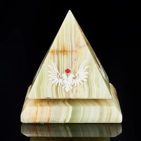 Пирамида оникс  8,5 см