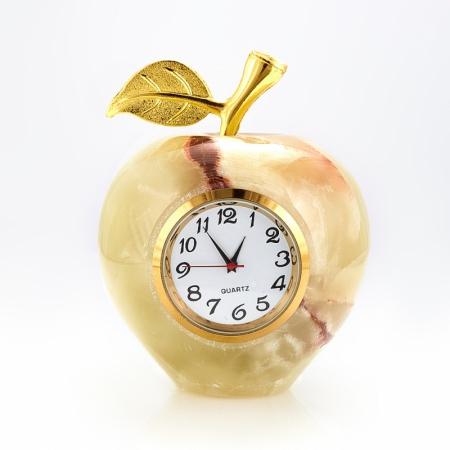 Часы яблоко оникс  8 см