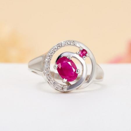Кольцо рубин  огранка (серебро 925 пр.) размер 19