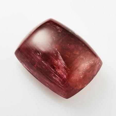 Кабошон турмалин розовый с эффектом кошачьего глаза  12*21*27 мм