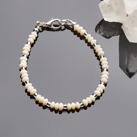 Браслет коралл белый  4 мм 18 cм