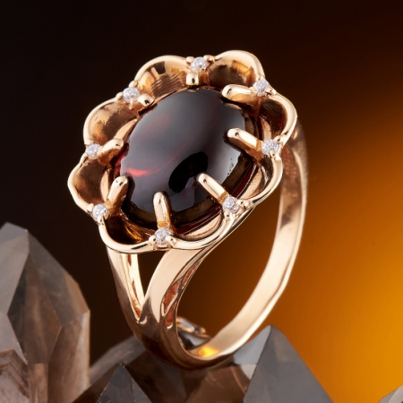 Кольцо гранат альмандин  (золото 585 пр.) размер 17