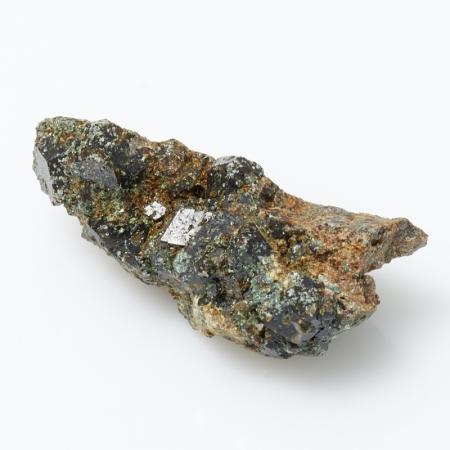 Кристалл в породе гранат андрадит  S