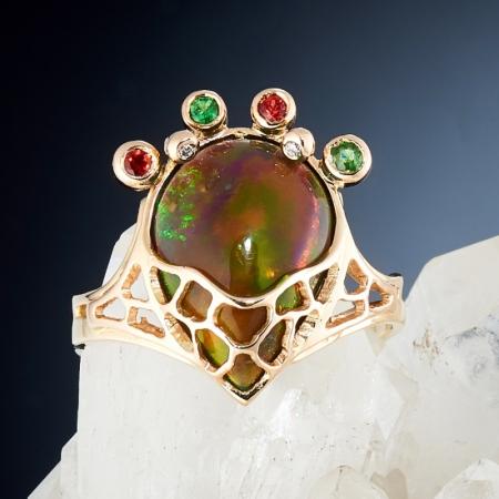 Кольцо опал благородный  (золото 585 пр.) размер 17