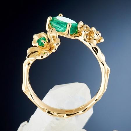 Кольцо изумруд  огранка (золото 585 пр.) размер регулируемый