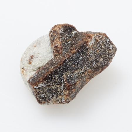 Кристалл в породе ставролит  XXS
