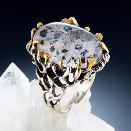 Кольцо горный хрусталь с купритом  (серебро 925 пр., позолота) размер 18