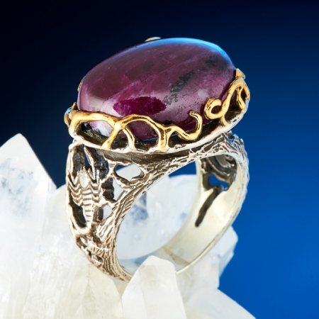 Кольцо корунд (рубин)  (серебро 925 пр., позолота) размер 18,5