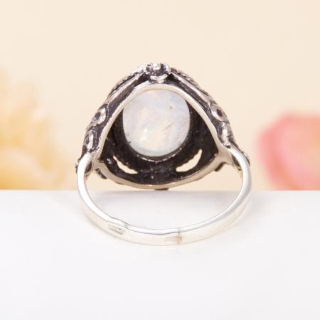 Кольцо лунный камень  (серебро 925 пр.) размер 17,5