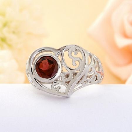Кольцо Гранат  (серебро)  размер 18,5