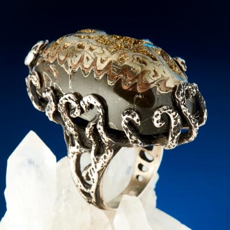 Кольцо пиритизированный аммонит  (серебро 925 пр.) размер 17,5Аммониты<br>Кольцо пиритизированный аммонит  (серебро 925 пр.) размер 17,5<br><br>kit: None