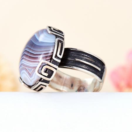 Кольцо агат серый  (серебро 925 пр.) размер 18