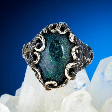 Кольцо опал благородный черный  (серебро 925 пр.) размер 16,5