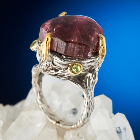 Кольцо турмалин розовый (рубеллит)  (серебро 925 пр., позолота) размер 18