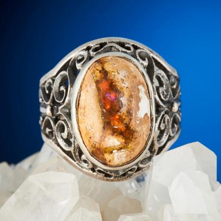Кольцо опал благородный огненный  (серебро 925 пр.) размер 18,5