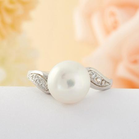 Кольцо жемчуг  (серебро) размер 17