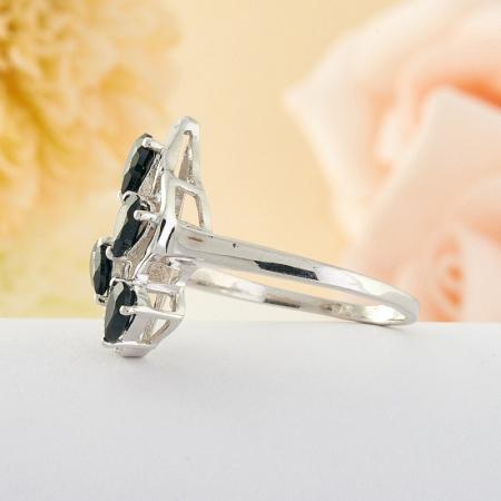 Кольцо сапфир  огранка (серебро) размер 18