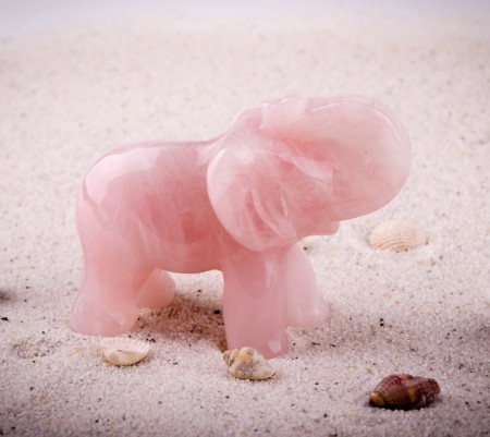 Слон розовый кварц  8 см