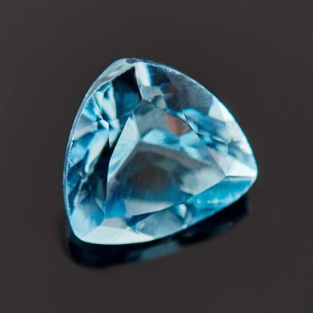 Огранка топаз голубой  6*6*6 мм