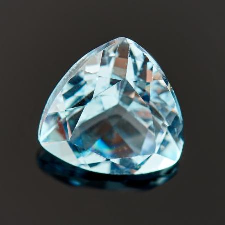Огранка топаз голубой  7*7*7 мм