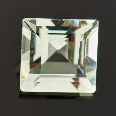 Огранка празиолит  7*7 мм