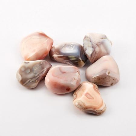 Агат розовый  (2-2,5 см) 1 шт