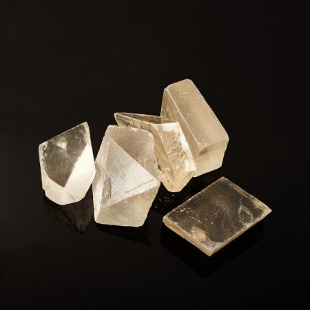 Кристалл кальцит оптический  (3,5-4 см) 1 шт