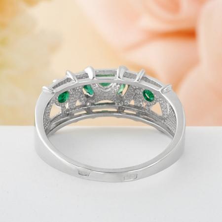 Кольцо изумруд  огранка (серебро 925 пр.) 0,579 карата размер 17