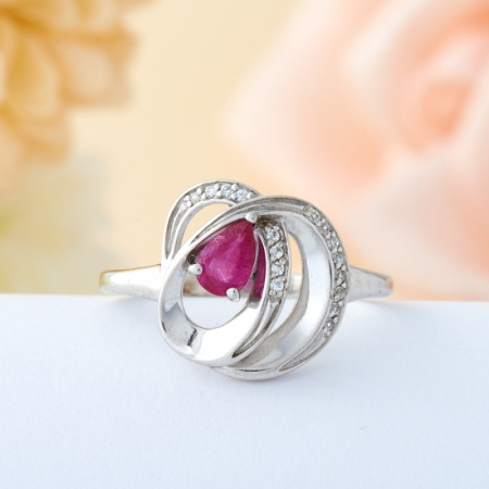 Кольцо рубин  огранка (серебро 925 пр.) размер 19Рубин<br>Кольцо рубин  огранка (серебро 925 пр.) размер 19<br><br>kit: None