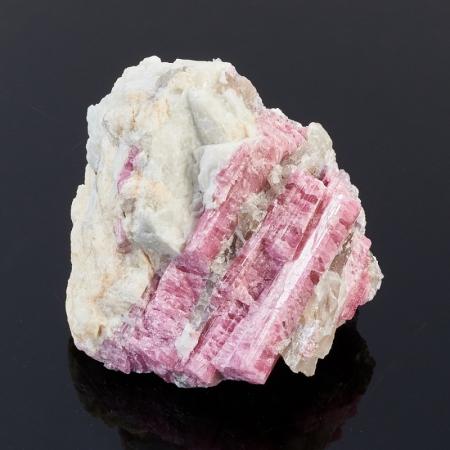 Кристаллы в породе турмалин  XS