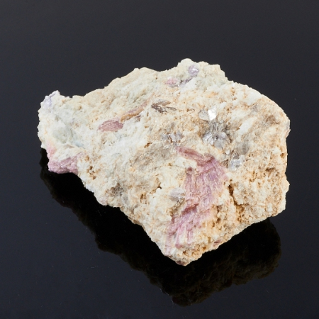 Кристаллы в породе турмалин  S