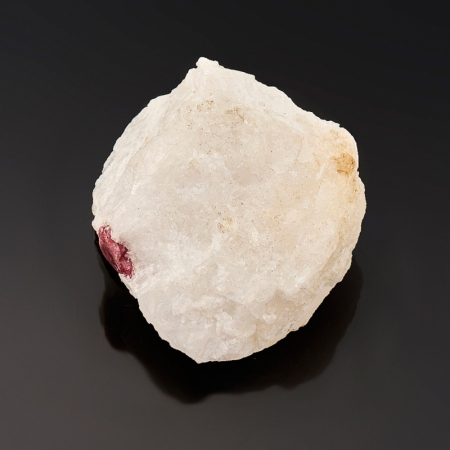 Кристалл в породе шпинель  XS
