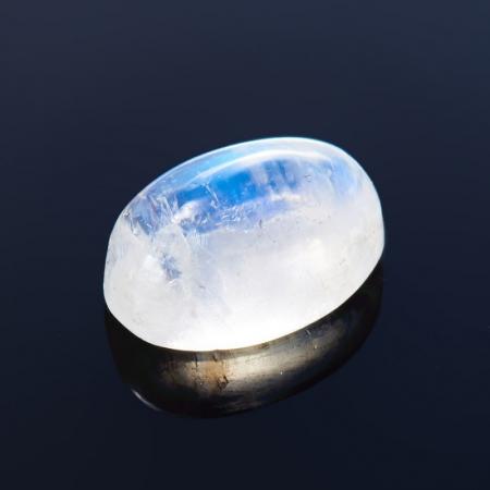 Кабошон лунный камень  4*6 мм