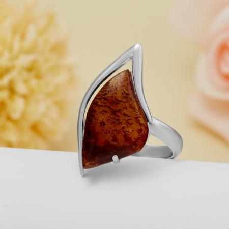 Кольцо янтарь  (серебро 925 пр.)