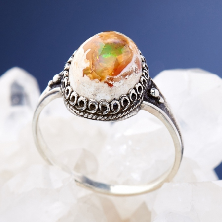 Кольцо опал  (серебро 925 пр.)  размер 18,5