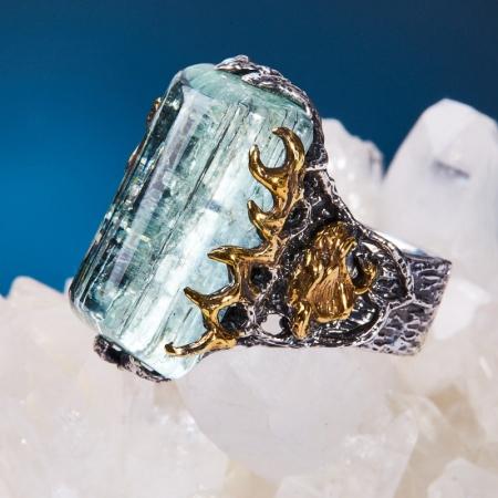 Кольцо аквамарин  (Забайкалье) (серебро 925 пр., позолота, чернение) размер 18,5