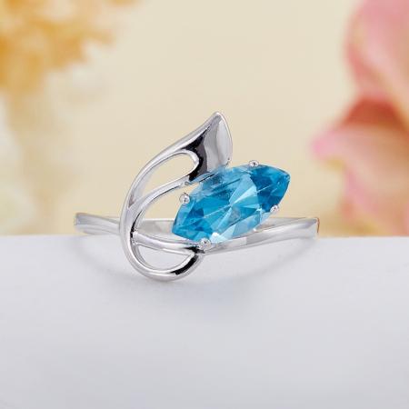 Кольцо топаз (голубой, Swiss)  огранка (серебро 925 пр.) размер 17,5