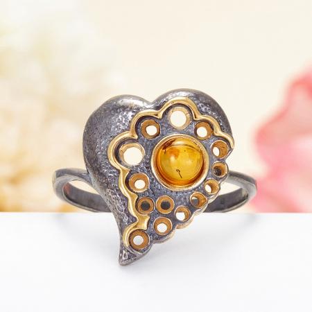 Кольцо янтарь  (серебро 925 пр., позолота, чернение) размер 17