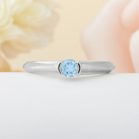 Кольцо топаз голубой  огранка (серебро 925 пр.)  размер 18,5