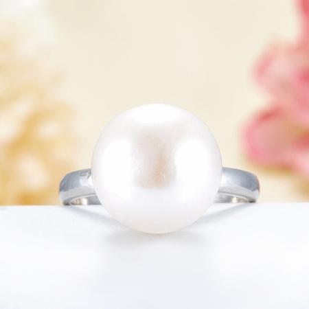 Кольцо жемчуг персиковый  (серебро 925 пр.)  размер 20