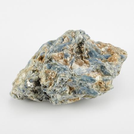 Образец кианит синий  М 30х45х90 мм