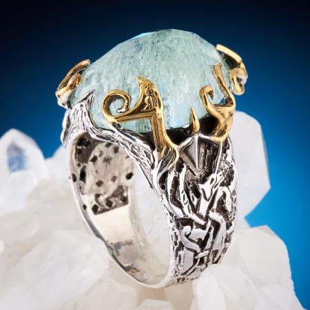 Кольцо аквамарин  огранка (серебро 925 пр., позолота, чернение)  размер 18,5